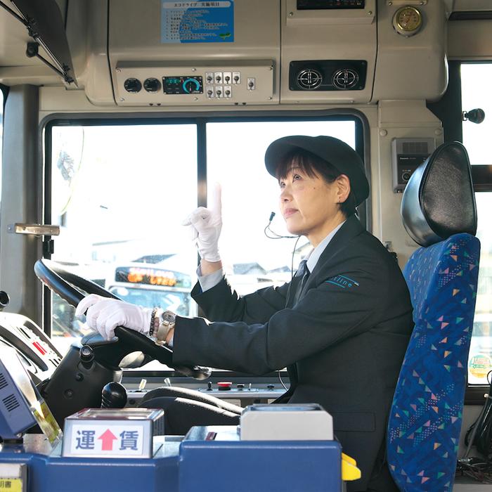 女性運転士01_5