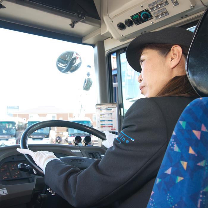 女性運転士02_5
