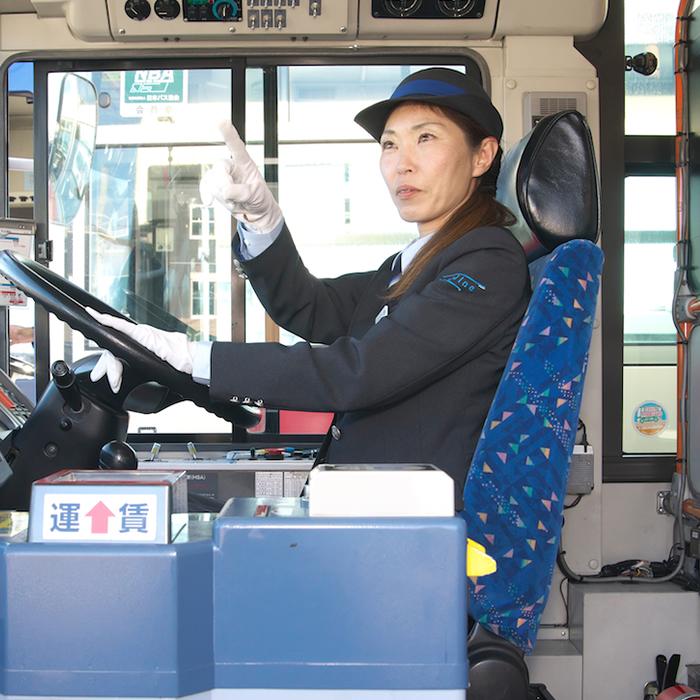女性運転士02_4